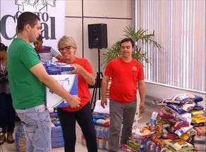 Grupo Jaime Câmara doa cinco toneladas de alimentos arrecadados no projeto Canto Coral - undefined