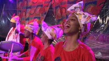 Cortejo Afro faz o tradicional ensaio no Pelourinho, em Salvador - Veja como foi a festa que funciona como preparativo para o carnaval.