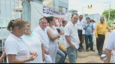 Funcionários da Santa Casa de Leme entram em greve por atraso no salário - Trabalhadores não receberam o pagamento de novembro e nem o 13ºPrefeitura deve se manifestar sobre o assunto na tarde desta terça-feira.