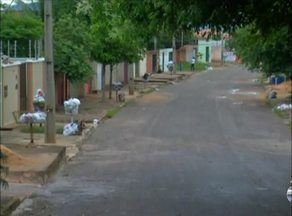 Moradores reclamam da falta de coleta de lixo no centro de Palmas - Moradores reclamam da falta de coleta de lixo no centro de Palmas