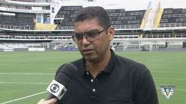 Futebol Solidário acontece na Vila Belmiro - Jogo beneficente é organizado por ex-jogador.