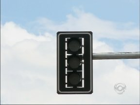 JA Ideias: cinco cruzamentos receberão sinaleiras em Passo Fundo, RS - Quantidade de semáforos gera debate entre motoristas