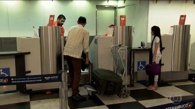 Senado anula regra da Anac que permitia aéreas cobrarem por bagagem - O Senado aprovou ontem um projeto que derruba a regra da Agência Nacional de Aviação Civil que permite a empresas aéreas cobrar pelas bagagens despachadas.