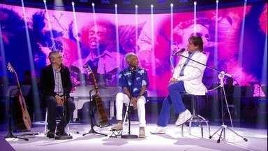 Roberto Carlos canta 'Marina' com Caetano Veloso e Gilberto Gil - Confira!