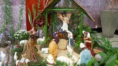 Tradição dos presépios durante o Natal encanta moradores de Petrópolis, no RJ - Espetáculo particular da cidade chama a atenção de todos.
