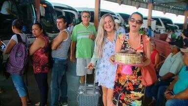 Gaúchos pegam a estrada para passar Natal ao lado da família - Movimento é 70% maior na rodoviária de Santa Cruz do Sul nesta época do ano.
