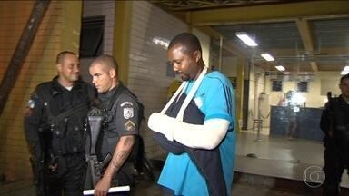 Bando invade Centro de Treinamento do Fluminense e tortura seguranças - Funcionário alertou polícia, que invadiu o centro; houve troca de tiros. Um homem foi preso e dois fugiram com objetos dos seguranças.