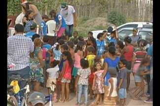 Grupo de ciclistas entrega presentes para crianças de Redenção - Além da distribuição de brinquedos, teve atividades culturais.