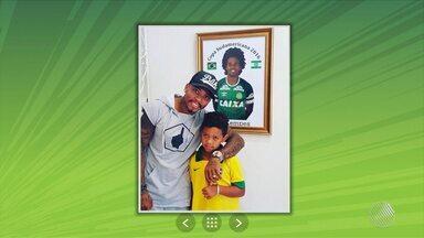 Vitória: Marinho visita família de vitíma da Chape; Argel fala sobre a temporada de 2017 - Confira as notícias do rubro-negro baiano.