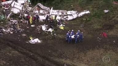 Acidente da Chapecoense é resultado de falhas humanas, diz relatório - O relatório preliminar das autoridades colombianas que investigam o desastre com o avião da Chapecoense diz que a tragédia é resultado direto de falhas humanas.