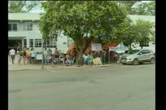Funcionários do Hospital Dom Bosco em greve - Eles estão acampados em frente ao Hospital de Santa Rosa, RS.