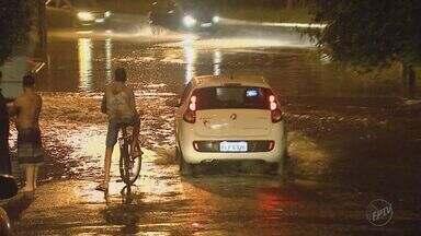 Moradores sofrem com alagamentos frequentes em épocas de chuva em Ribeirão Preto - Problema perdura por anos e nunca é solucionado pela administração da cidade.