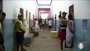 Presos transferidos voltam para cadeia onde estavam ameaçados de morte - O Tribunal de Justiça do Amazonas determinou a volta dos 20 presos que foram transferidos da cadeia de Manaus para Itacoatiara, no interior do Amazonas nas segunda (9).