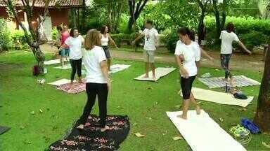 Você pratica yoga? Saiba os benefícios da atividade para saúde - Em Três Rios prática está ganhando cada vez mais adeptos; saiba os benefícios para gestantes.