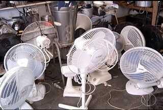 Quem trabalha com conserto de ventiladores e ar-condicionado estão lucrando neste verão - Os lucros aumentaram até 70%.