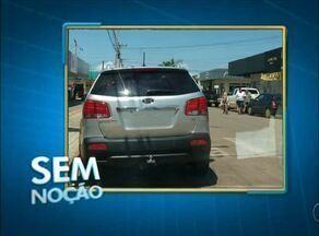 Telespectador flagra motorista estacionado em faixa de pedestre em centro comercial - Telespectador flagra motorista estacionado em faixa de pedestre em centro comercial