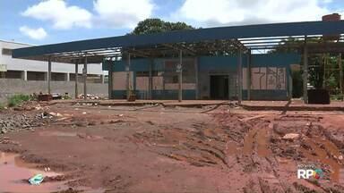 Prefeitura de Sarandi vai começar a derrubar a antiga rodoviária - Recentemente o espaço era ocupado por famílias indígenas