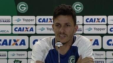 Goiás apresenta meia Jean Carlos, ex-Vila e São Paulo - Jogador assina contrato de empréstimo até o fim de 2017