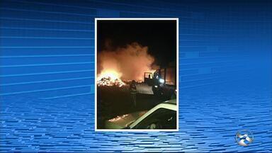 Incêndio em lixão foi registrado na zona rural de Taquaritinga do Norte, no Agreste - De acordo com o Corpo de Bombeiros, o fogo foi controlado em poucos minutos.