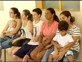 Com alerta da febre amarela em Minas, muitas pessoas buscam imunização - Em Montes Claros, mesmo sem registro de casos, postos ficaram cheios.