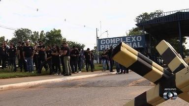 Vigilantes penitenciários temporários encerram greve em Goiás - Em reunião com o governo, categoria fez acordo e obteve reajuste no salário.
