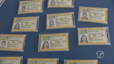 Reunião discute problemas na emissão e bloqueio de carteirinhas estudantis em Santarém - Emissão de carteirinhas estudantis começa mais cedo em Santarém. A intenção é reduzir filas e transtornos.