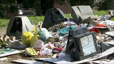 Há 18 dias com novo prefeito, São Gonçalo ainda sofre com a falta de coleta de lixo - De acordo com o novo prefeito José Luiz Nanci, há uma dívida de mais de R$ 30 milhões com a empresa responsável pelo serviço.