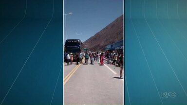 Brasileiros que estavam isolados na Argentina conseguem seguir viagem - O grupo que voltava do Peru conseguiu pegar a estrada, ontem, às 23h30