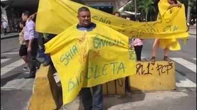 Recife tem protesto contra alta da tarifa de ônibus - Manifestantes incentivaram população a andar de bicicleta.