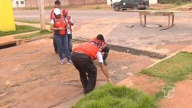 Chuva forte causa alagamentos e transtornos no Residencial Salvação - Situação mais crítica foi registrada nas ruas mais baixas no residencial. Chuva forte de atingiu parte de Santarém na noite de terça-feira (17).