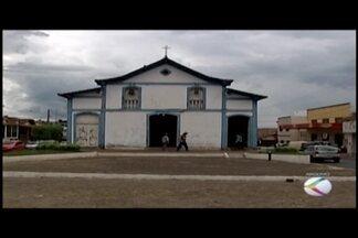 Igreja de São Sebastião segue fechada em Araxá - Infraestrutura do local está danificada pela ação do tempo. Festa de São Sebastião foi transferida para outra igreja.