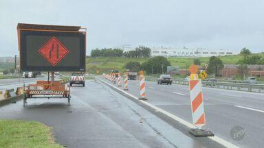 Chuva provoca deslizamento de talude na Rodovia Dom Pedro - Uma faixa foi interditada na altura do quilômetro 133, no sentido Anhanguera.