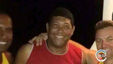 Barco ficou 15 horas à deriva no mar com três a bordo em Ilhabela - Um dos resgatados foi o pastor Valdemiro Santiago.