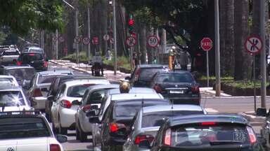 Polêmica do Uber em Maringá - Prefeito se reúne com vereadores e taxistas para discutir a regulamentação do serviço na cidade
