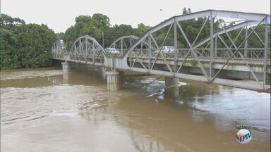 Com chuvas, nível do Rio Mogi Guaçu preocupa Defesa Civil de Porto Ferreira - A Defesa Civil está em estado de atenção, há riscos de alagamento.