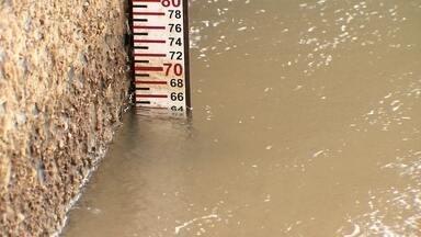 Janeiro com pouca chuva e dias quentes agrava a crise hídrica - Moradores do DF sentem falta da água da chuva..