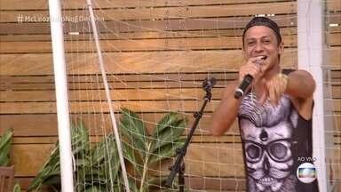 MC Leozinho canta 'Se Ela Dança, Eu Danço' - Cantor fala sobre a emoção de ter sido convidado para gravar e participar de projeto com Roberto Carlos