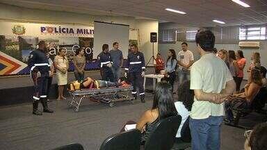 Profissionais da saúde recebem treinamento de primeiros socorros - Profissionais da saúde recebem treinamento de primeiros socorros