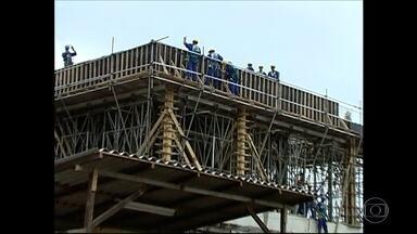 TCE diz que obras do PAC em 3 comunidades do Rio foram superfaturadas - Construtoras vão ter que devolver ao estado quase R$ 220 milhões.