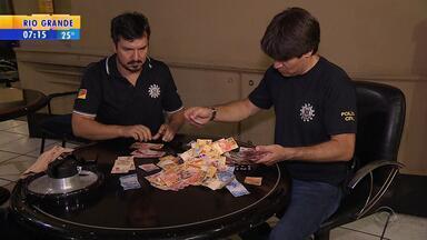 Bingo reaberto sem licença é fechado após operação em Porto Alegre - Segundo delegado, dono e funcionários responderão por contravenção.