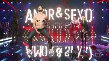 José Loreto faz show burlesco no jogo erótico - undefined