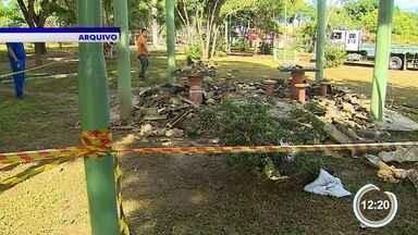 Um dos honens atingidos pela queda do quiosque morreu em São José - Ele sofreu uma parada cardiorespiratória.