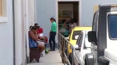 Escolas e creches municipais de Petrópolis, RJ, estão sem vagas para estudantes - Assista a seguir.