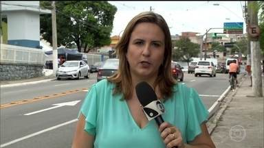 Governo do Espírito Santo diz que não tem dinheiro para reajuste de PMs - Mulheres dos policiais continuam na porta dos batalhões. Já são 87 mortos desde o começo da onda de violência.