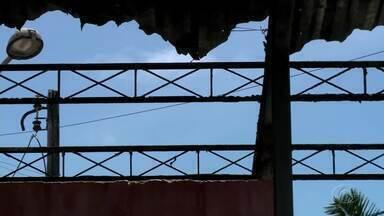 Terminal de ônibus da Praça da Faculdade será demolido - O repórter Douglas Lopes dá mais informações sobre o assunto.