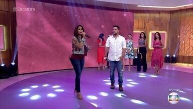 """Maria Cecília e Rodolfo cantam """"Dói só de pensar"""" - Cantora se emociona e fala sobre gravidez e relacionamento com Rodolfo"""