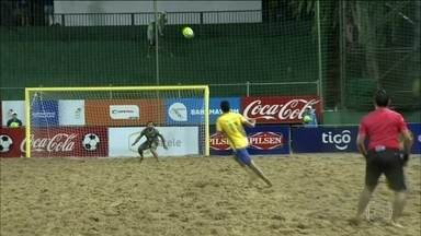 Brasil goleia o Equador nas Eliminatórias Sul-Americanas de Futebol de Areia - Brasil venceu por 11 a 1 o Equador sob forte chuva.