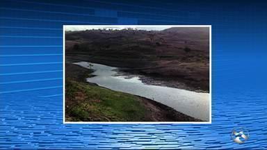 Seca provoca colapso na barragem Panelas - Reservatório secou devido a falta de chuva.