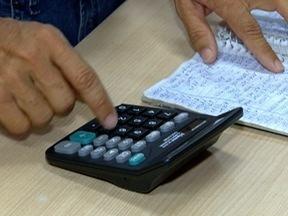 Cai o número de pessoas com dívidas na região - Também há mais pessoas procurando recuperar o crédito.
