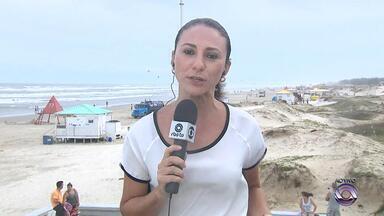 Hotéis têm 95% de ocupação no Litoral Norte do RS - Torres é a praia gaúcha mais procurada.